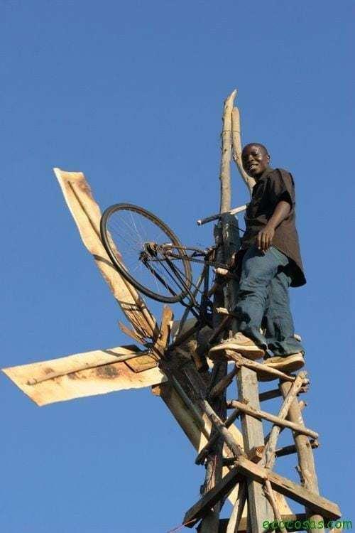 El niño que construyo un molino con una bicicleta 13