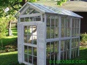 7 ideas creativas para reutilizar las ventanas viejas 11