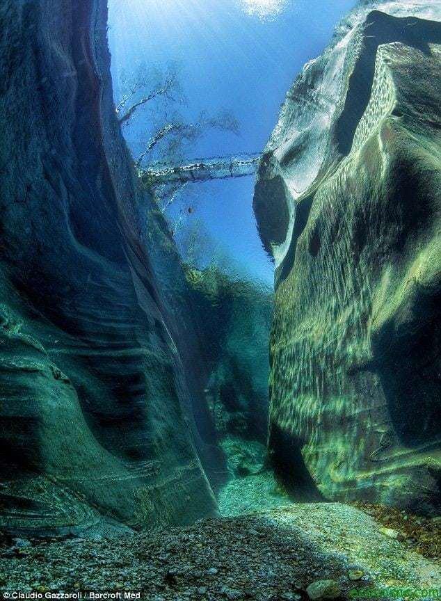 El río con el agua mas limpia del mundo 5