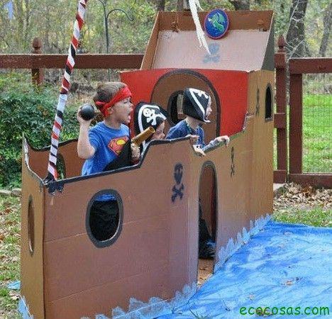 castillo pirata1 25 formas de reciclar cajas de cartón para que tus hijos se diviertan