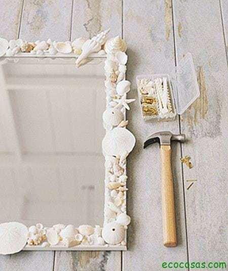 Ideas para realizar marcos y espejos ecocosas for Manualidades para decorar espejos