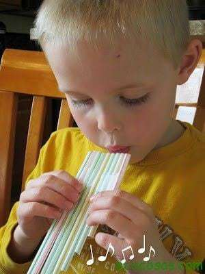 Flauta Magica de Canudinhos 10 juguetes hechos con materiales reciclados