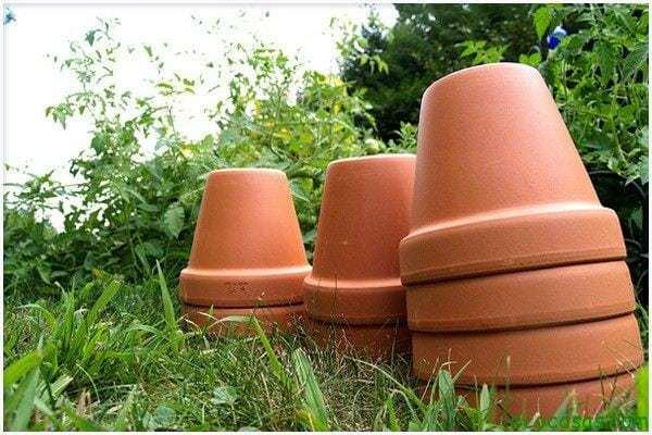 gardening watering ollas 02 Sistema de riego, hecho con dos macetas