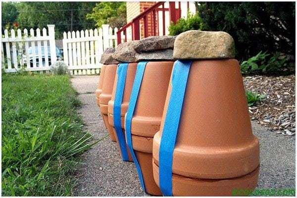 gardening watering ollas 04 Sistema de riego, hecho con dos macetas