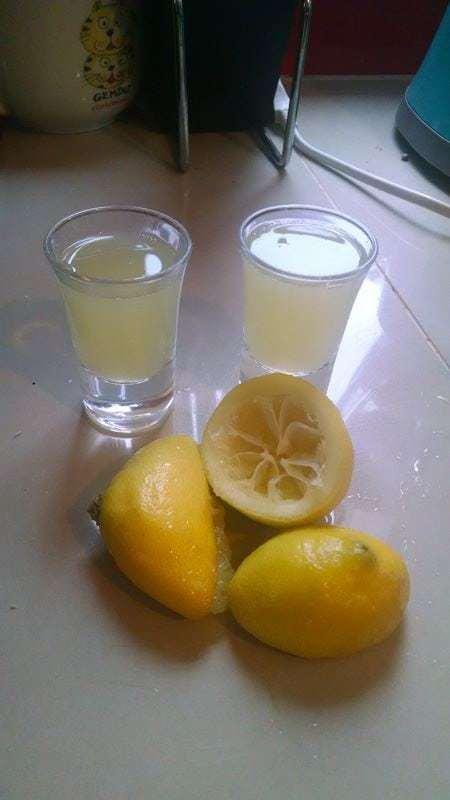Usamos mas de un limón por que eran muy pequeños