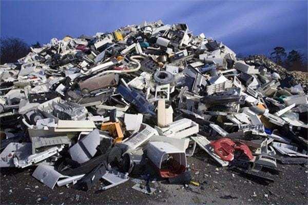 La tragedia electrónica (Documental) 6