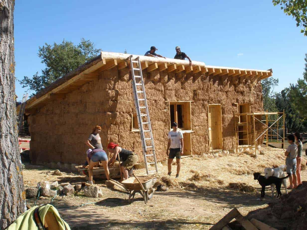 La casa de paja bioconstrucci n ecocosas for Construccion de casas paso a paso