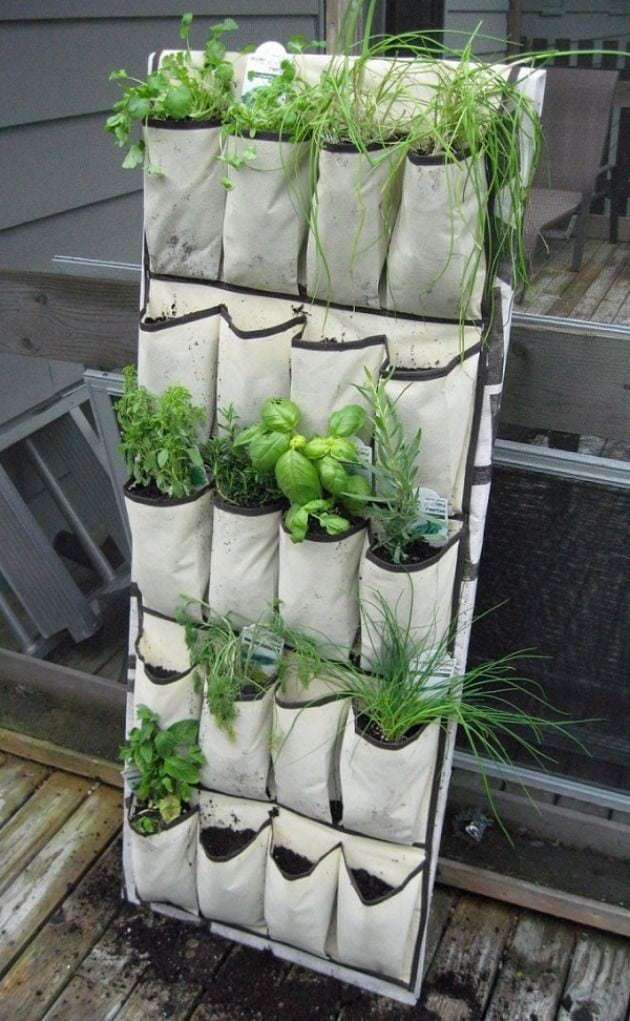 12 ideas para tu jard n vertical ecocosas for Jardin vertical barato