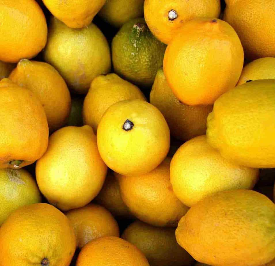 beneficios agua con limon