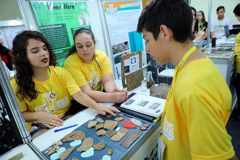 Estudiantes crean madera de Yuca 2