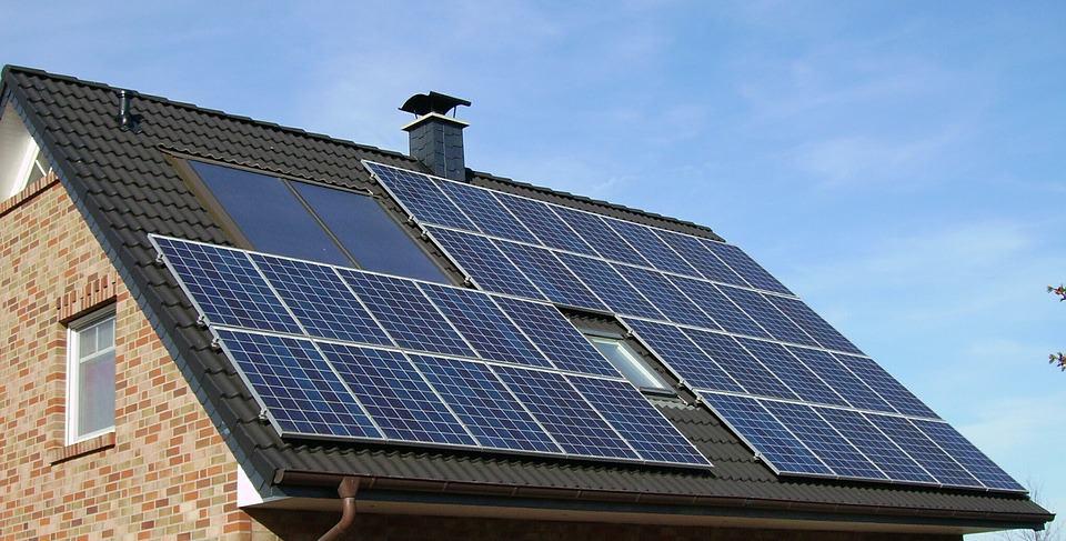 Paneles solares en viviendas: 10 preguntas frecuentes 1