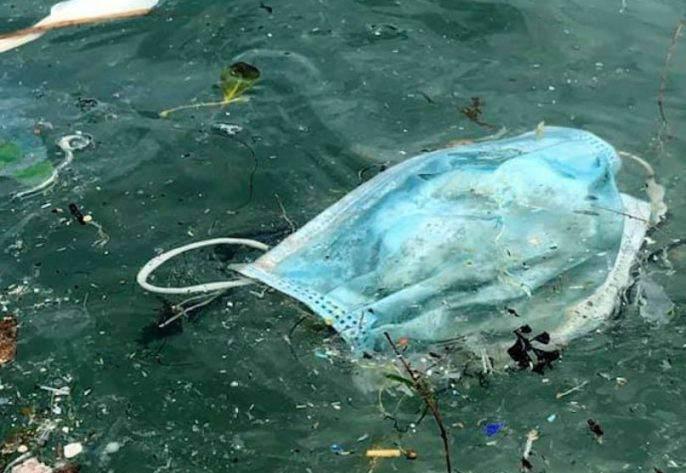 """Rewinder y sus """"rewinders"""" logran que 15.000.000 de mascarillas desechables no lleguen al mar 1"""