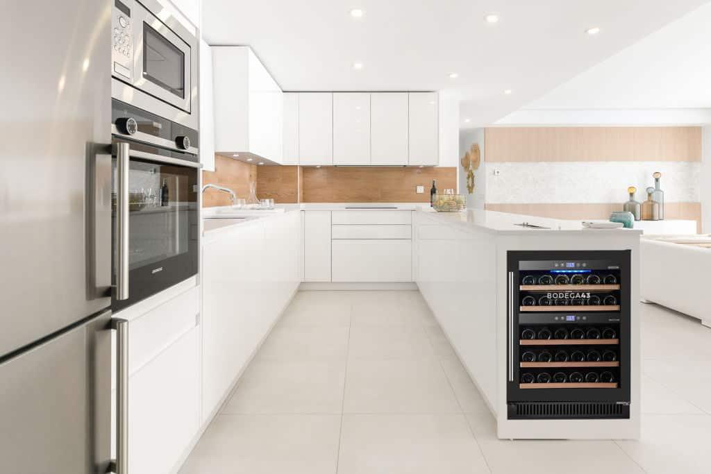 Vinotecas para cocinas moderna y sostenibles 2