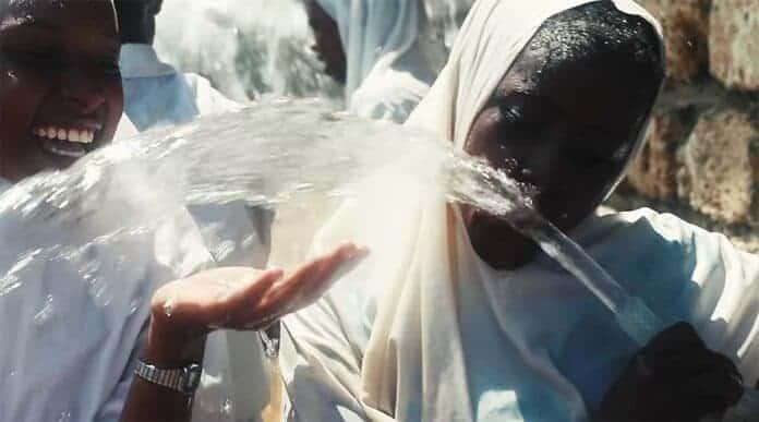 Energía solar convierte agua de mar en agua potable en Kenia 1